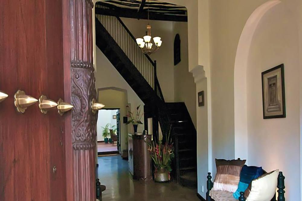 KISIWA HOUSE HOTEL